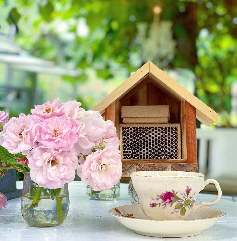 bee house for garden pollination